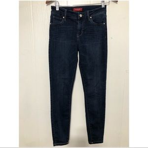 GUESS SIZE 26 RG WOMEN SKINNY JEANS